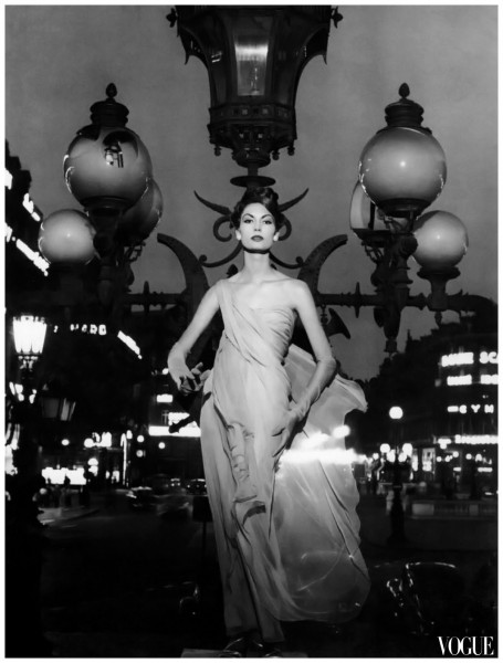 mary-mclaughlin-in-evening-dress-by-dior-photo-by-william-klein-paris-1957