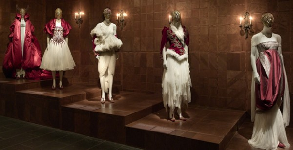 alexander-mcqueen-savage-beauty-exhibit